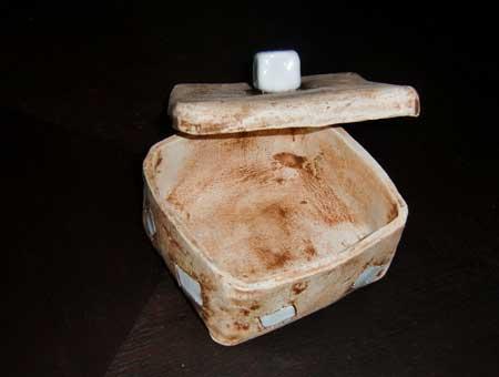 zuckerschuessel aus ton gebrannt und in handarbeit hergestellt - NR: 104 - VERKAUFT