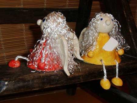 Keramik Kantensitzer Figur als Schutzengel - die Geschenkidee