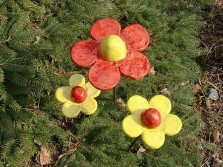 schicke keramik deko blumen in rot gelb - NR: 127 - VERKAUFT