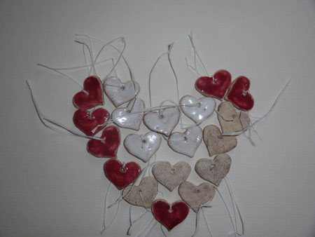 Tischschmuck Herzen in Natur oder Rot - NR: 180