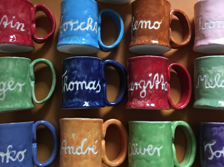 Namensgeschenk / Tassen mit Vornamen aus Keramik in Farben nach Wunsch - ANSICHT