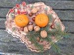 Keramik Weihnachtsteller mit Haus und Adventsschmuck - VERKAUFT